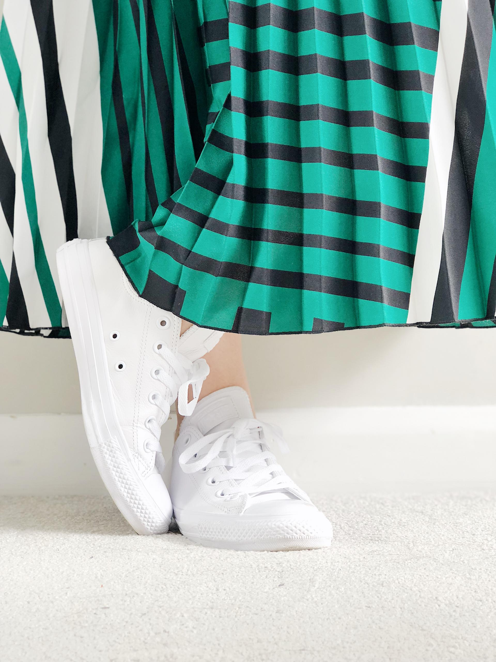 Spring Uniform | Spring Style | Pleated Midi Skirt | White Converse