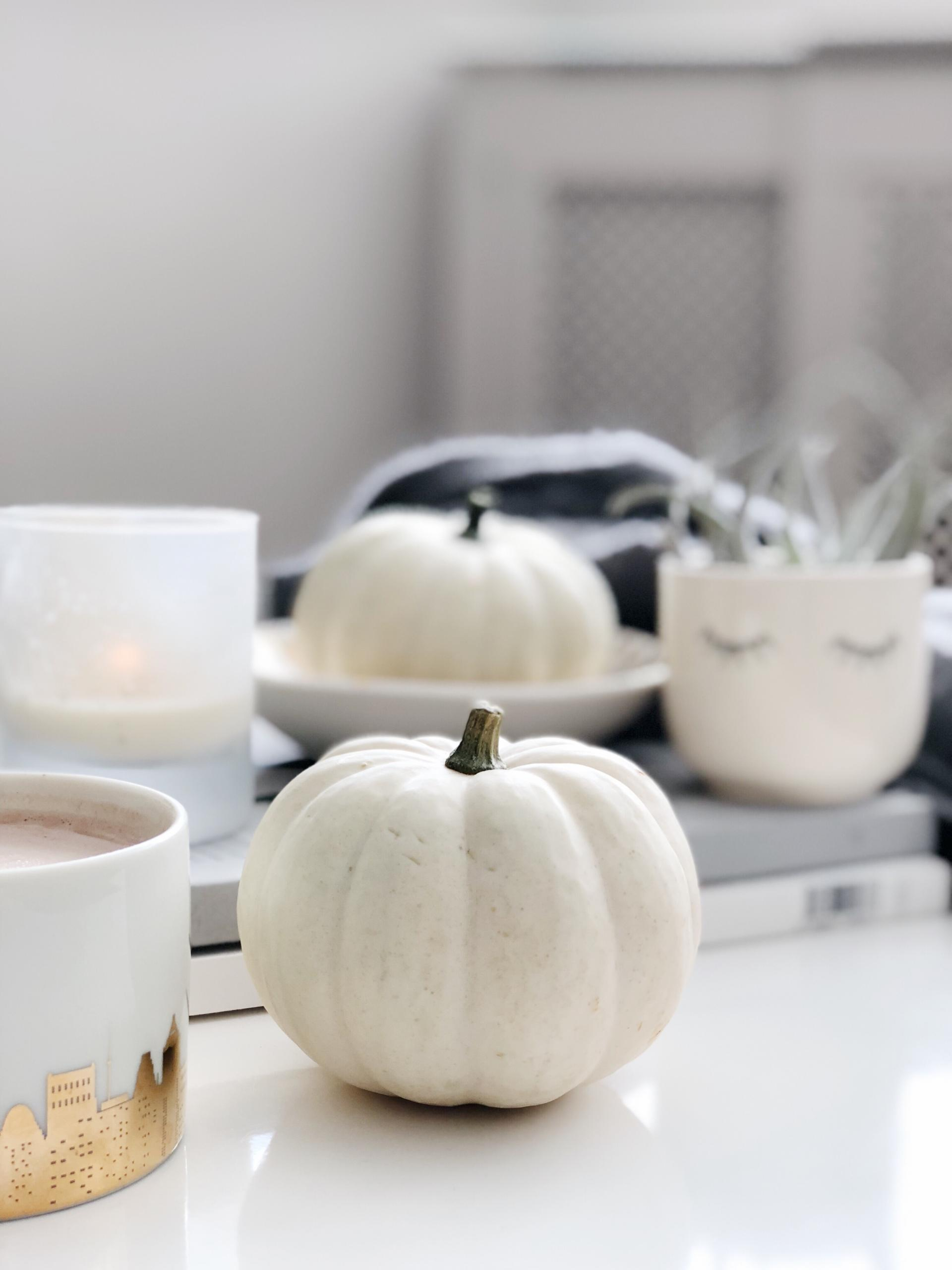 White pumpkins, cosy fall decor