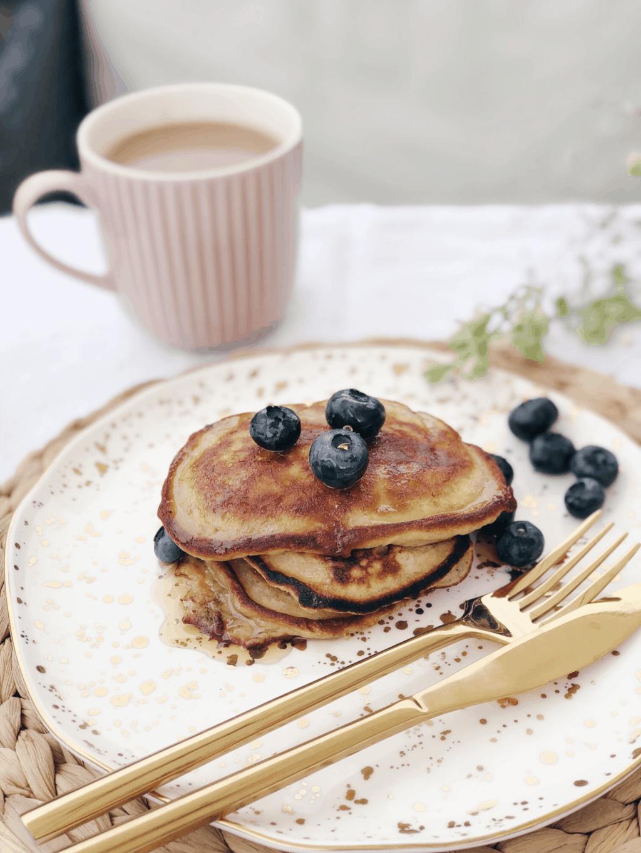 Easy gluten-free banana pancakes